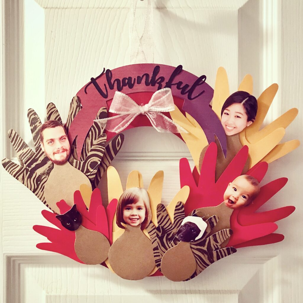 Thanksgiving Craft: Hand Turkey Family Wreath