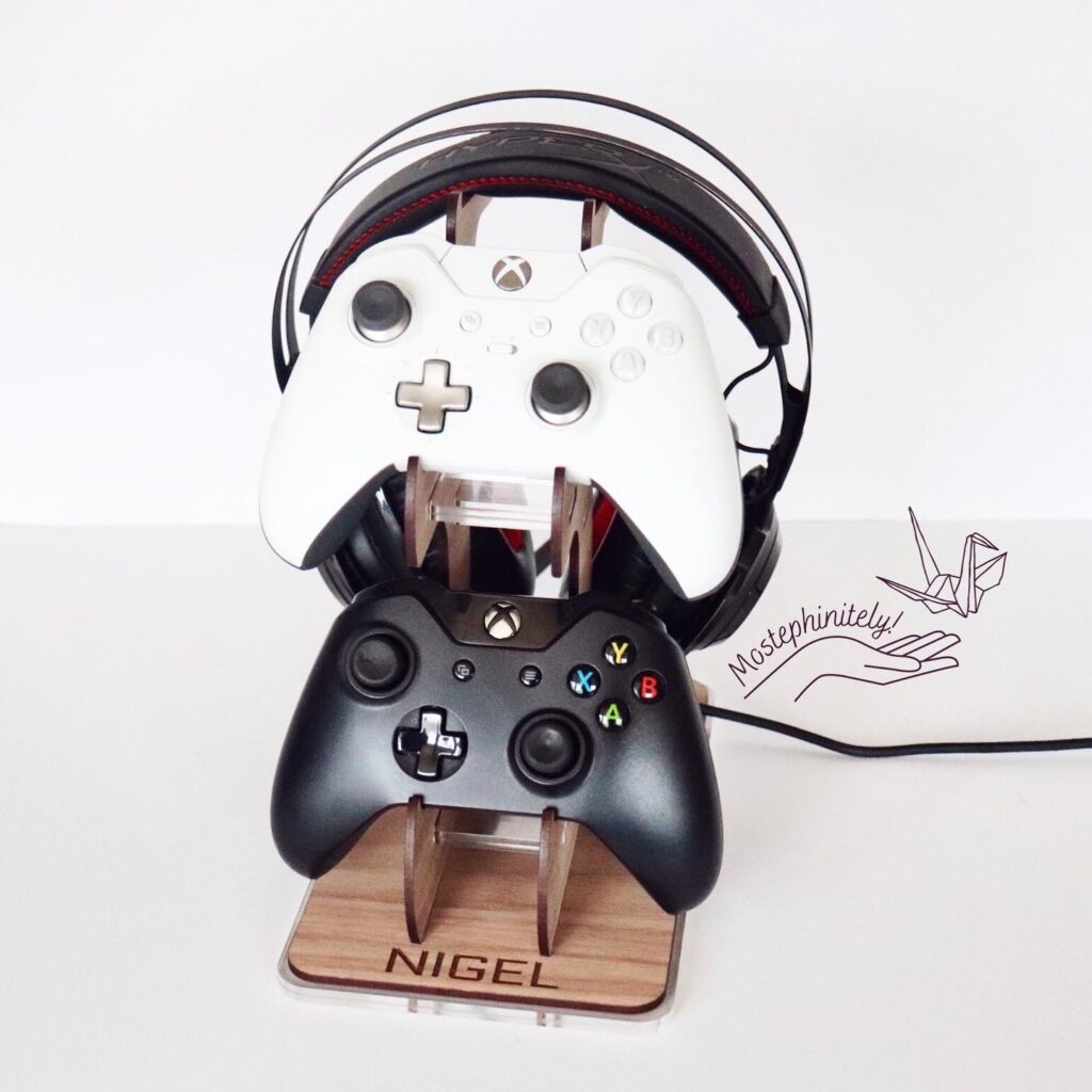 Custom Engraved Controller & Gaming Headset Stand